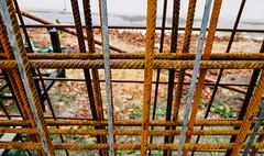 Roestig raster (MJ Klaver) Tags: lines fence grid rust raster hek s120 canonpowershots120 fencedfriday powershots120
