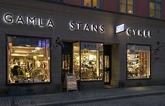 Gamla Stans Cykel (Ana >>> f o t o g r a f í a s) Tags: europa europe sweden stockholm schweden gamlastan sverige scandinavia sthlm oldtown hdr estocolmo stoccolma suecia ciudadvieja escandinavia tonemapped geo:country=sweden geo:region=europe potd:country=es hdrworldsweden