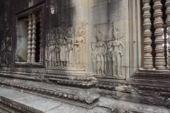 Intricate carvings (abbobbotho) Tags: cambodia bg angkorwat krongsiemreap siemreapprovince kh