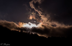 Tabiatn Korkutucu Ezgisi (the Horrifying Tune of Nature) (SBastan) Tags: nature doa gne gnbatm bulutlar da kalnam karadeniz trabzon travel tonya nikond610 tamron2470mmf28divcusd sun sunset clouds gizem mystery seyahat