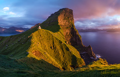 Sunset at the Edge of the World | Kalsoy, Faroe Islands (v on life) Tags: kalsoy faroeislands lighthouse kallur sunset pano panorama panoramic cliff longexposure ocean island clouds dusk borgarin beacon