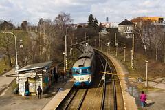451.059-0 D, Os 9119, Praha-Stranice zastvka (cz.fabijan) Tags: railway eleznice train vlak d eskdrhy 451 praha stranice 451059 os9119