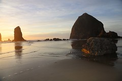 IMGL2434 (komissarov_a) Tags: cannonbeach haystackrock oregoncoast 101 formations tidepools sunsets spectacular ocean viewpoints rocks attraction tides running hiking skyhigh scenic pacific west surprise beautiful sandy shoreline perfect wonderland remarkable refreshing unbeatable stunning scenery unforgettable vistas naturalareas komissarova streetphotography rgb canon 5d m3 color rainforest downtown paradise dramatic enjoyable landscapes famous nationalgeographic magazine picturesque sidewalks artgalleries specialtyshops restaurants oneoftheworlds100mostbeautifulplaces
