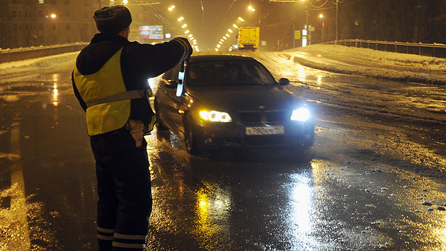 Два инспектора ДПС избили снимающего ихнакамеру водителя