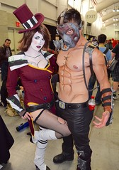 DSC_0032 (Randsom) Tags: nyc october couple cosplay batman rogue dccomics villain bane harlequin harleyquinn javitscenter supervillain 2015 nycc nycomiccon newyorkcomiccon batmanfamily nycc2015