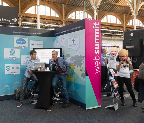 WEB SUMMIT 2015 RANDOM IMAGES [DAY ONE]-109673