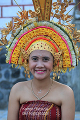 The Beautiful Smile (Kadek Raharja Photos) Tags: travel bali beautiful beauty smile festival canon eos dance hindu karangasem rejang asak