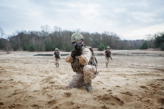 PI00_Kh_act_021.jpg (sioenarmourtechnology) Tags: army belgium titan defence qrs actionshot specialforces leopoldsburg kaliqrs