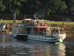 Dresden-0114_1 (pischty.hufnagel) Tags: dresden elbe dampfschiff dampfschifffahrt kurort rathen wende schaufelraddampfschiff schaufelraddampfer