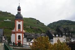 Zell, Aussicht von der Moselbrcke zur Kirche St. Peter (HEN-Magonza) Tags: zell mosel moselle rheinlandpfalz rhinelandpalatinate deutschland germany