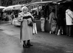 Grrrrrr (Frd.C) Tags: black white dijon march burgundy vie life old bourgogne mamie grandma flickrfriday unusual