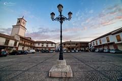 Plaza Constitucin (Enrique J. Mateos Mtnez) Tags: samyang14mm spain farola canon5d aire libre cielo sky atardecer plaza valdemoro
