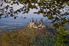 Burg Hohenzollern (wirsindfrei) Tags: burghohenzollern burg castle europe germany deutschland badenwrttemberg nikond60 nikon herbst fall autumn hohenzollern swabian alb swabianalb bisingen hechingen balingen