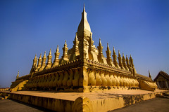 Pha That Luang (Great Stupa) - Vientiane, Laos (pas le matin) Tags: outdoor architecture building buddhism travel voyage asia temple buddha stupa greatstupa phathatluang vientiane laos golden lao asie world canon 7d canon7d canoneos7d eos7d