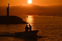 Sunset on the night of the Supermoon (Marie.L.Manzor) Tags: water clouds seascape sky sea silhouette waves light goldenlight nikon nikon610 nikkor marielmanzor silhouettes 2016 romantic 1000favs 1000favorites wow sunset sunrise travel sun nature gettyimage candid people landscape httpswwwinstagramcommarielmanzor httpswwwfacebookcommarielmanzor