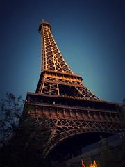 Eiffel Tower - Paris - Las Vegas (Nelo Hotsuma) Tags: county las vegas paris tower america hotel united nevada eiffel casino strip valley clark states blvd sincity
