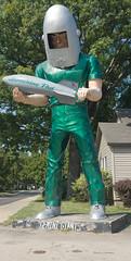 Gemini Giant (BradPerkins) Tags: geminigiant route66 urbanlandscape illinois statue relic classic odd atlasobscura roadsideattraction landmark giant abandonedrestaurant