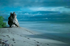 Long Exposure Beach (Lance Laurence) Tags: ocean longexposure blue beach nature canon sand natural artistic footsteps 6d weldingglass