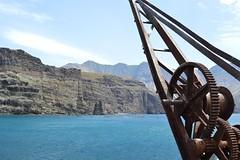 El puerto de Agaete (marcosgplanells) Tags: sea port puerto mar canarias gran grua canaria agaete