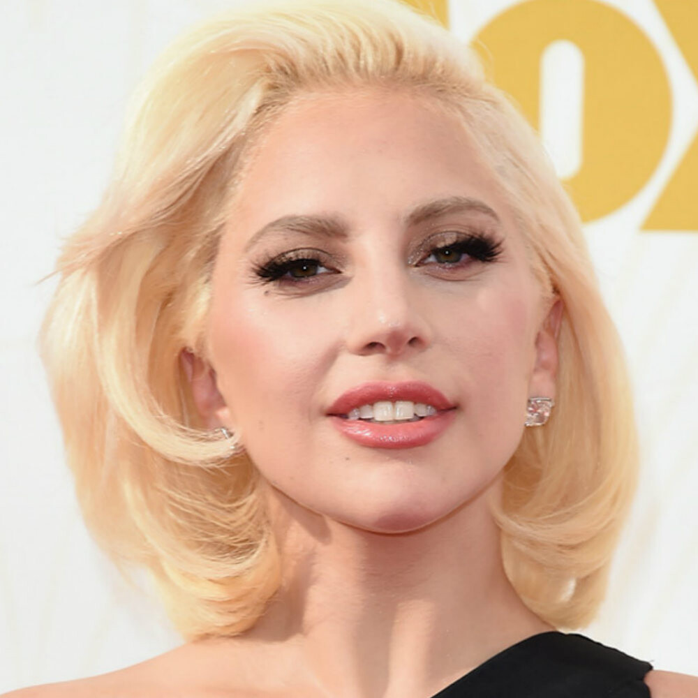 Maquillajes Emmys lady-gaga