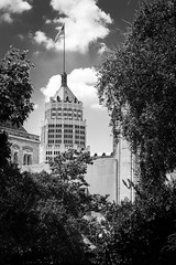 Tower Life Building in San Antonio (G. Chirinos) Tags: city blackandwhite bw building sanantonio san flag antonio towerlifebuilding