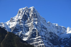 Howse Peak (dbonny) Tags: mountain snow canada fall rockies alberta banff rockymountains range albertacanada banffnationalpark canadianrockies howse banffnp howsepeak waputikmountains waputikrange waputik