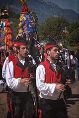 Gaiteros (Charlemagne OP) Tags: españa festival fiesta asturias folklore bagpipes noriega ribadedeva