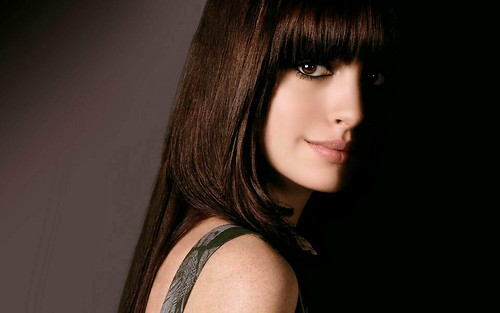 Anne Hathaway Hairstyle Hd Wallpaper Stylishhdwallpapers