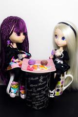 L'heure du goûter (BebePixel) Tags: tasse doll tea chocolate pullip kiyomi chocolat nomado gourmandise thé tasses macarons gouter tagada