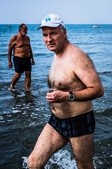 Street Photography on the beach (madmatph) Tags: street strada photography photo beach people spiaggia persone eye contact candid decisive moment