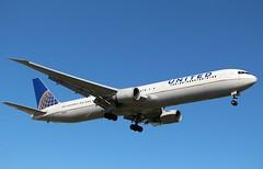Boeing 767-424(ER). N69063. United Airlines. (Themarcogoon49) Tags: boeing b767 aircraft landing gva airport cointrin lsgg avgeek switzerland