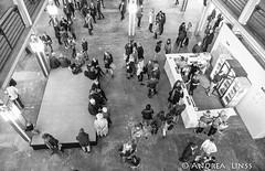 ZEHN.....OPENING (andrealinss) Tags: berlin bw blackandwhite berlinstreet schwarzweiss street streetphotography streetfotografie andrealinss opening vernissage oks ostkreuzschule ostkreuzschulefrfotografie zehn abschlussarbeiten utemahler wernermahler thomassandberg