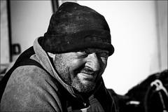 Le loup de mer de l'tang (vedebe) Tags: humain people noiretblanc netb nb bw monochrome pche pcheur port ports portraits portrait travail bateaux