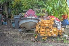 Will that engine fit into the boat? (AdjaFong) Tags: borabora tahiti bootsmotor