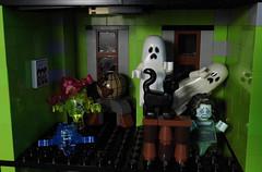 15-Modular Monster House MOC Halloween Edition upstairs (fuggoo) Tags: zombie zombies legozombie lego moc modular monster monsters house halloween pumpkin marilyn monroe elvis presley joker ghost ghosts ghostbusters