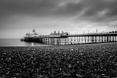 Eastbourne Pier (vichofr) Tags: eastbourne england uk europa europe inglaterra pier muelle sea seafront beach cloud clouds oceano ocean mar playa bw blancoynegro blanconegro grei canon canon6d 6d ciudad city sussex