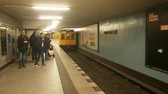 Premiere B2 auf U9 - 12 (Berliner U-Bahn) Tags: ubahnhof sonderfahrt b2 b2sonderfahrt u9 berlinerubahn ubahn untergrundbahn ubahntunnel gleisanlagen agubahn leopoldplatz schlosstrase turmstrase berlinerstrase zoologischergarten rathaussteglitz westhafen bvg berlin deutschland germany underground specialtour station tracks