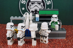 StarWars Signature Espresso Roast please (Lesgo LEGO Foto!) Tags: lego minifig minifigs minifigure minifigures collectible collectable legophotography omg toy toys legography fun love cute coolminifig collectibleminifigures collectableminifigure starwars star wars stormtrooper scouttrooper storm trooper scout coffee cafe espresso