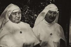 Vaya usted con Dios!! (Juanjo RS) Tags: toledo clero retrato portrait nikon nikond7100 amateur bn virado iglesia dios monja catolicismo jesucristo sor