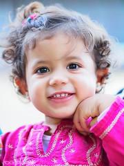 Maria (yiyo4ever) Tags: portrait retrato kid niño zuiko olympus light luz pdc dof hair pelo ojos eyes smile sonrisa hapiness felicidad sol sun zuikom75mmf18