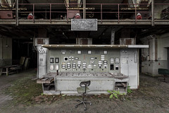 Kraftwerk (Kriegaffe 9) Tags: buttons chair decay rust industry industrial kraftwerk explore explored