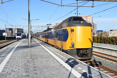 NSR ICM 4236 at Alphen aan den Rijn, November 26, 2016 (cklx) Tags: gouwelijn nsr slt alphenaandenrijn icm