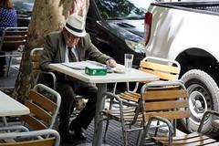 Caballero (Lukas Osses Codelia) Tags: argentina buenos aires abuelo reflejos señor blanco negro aire gente transeuntes