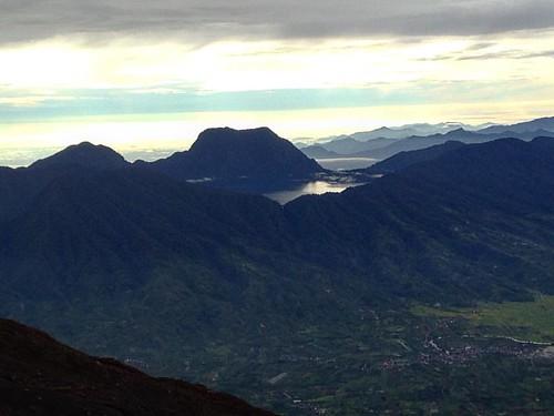 Danau gunung tujuh #mountains #danaugunungtujuh #kerinci #landscape #jambi #instakerinci #indotravellers #mountainesia #indonesianrepost #instanusantara #visitindonesia #hiking #morning