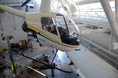Robinson R22 (raphaelbrescia) Tags: museum virginia smithsonian museu aviation hangar boeing hazy chantilly udvar