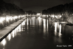 Lungotevere by night (Giuseppe Inglese) Tags: italy panorama roma water night canon landscape eos blackwhite italia e lungotevere acqua bianco nero notte sigma30mm14 400d fotofficine giuseppeinglese