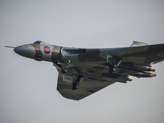 Avro Vulcan - Old Warden (davepickettphotographer) Tags: park uk wing bedfordshire delta collection final trust vulcan avro biggleswade airdisplay xh558 oldwarden olympuscamera vulcantothesky theshuttleworthcollectionuk