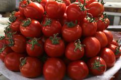 Juicy-looking tomatoes - Siab Bazaar Samarkand Uzbekistan (WanderingPJB) Tags: markets uzbekistan samarkand siabbazaar bazaar tomatoes red cmwdred colour colourful colourfulworld