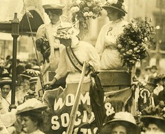 Edith New and Mary Leigh arrive at Queen's Hall, 1908.