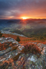 Y al fin salio el sol (Alfredo.Ruiz) Tags: basquecountry autumn sunrise clouds aramaiona valley coloured mountain landscape natural nature outdoor sun